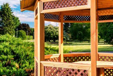 Z czego i jak zbudować altanę ogrodową?
